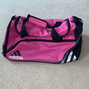 adidas duffle bag almost perfect condition